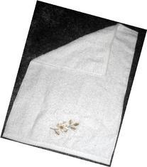 Avanti Linens Golden Leaves Fingertip Towel in White