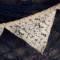 Lace Triangle Banner Cream-Coloured 8.5 Feet