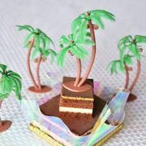 Palm Tree with Coconuts Cake Topper