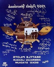1969 Inaugural Season Seattle Pilots Signed 16 x 20