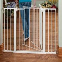 KidCO Tall and Wide Auto Close Gateway, White