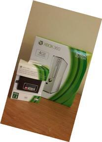 Xbox 360 S White - 4GB