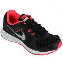 Nike Womens Zoom Winflo Running Shoe, Black/White/Mango